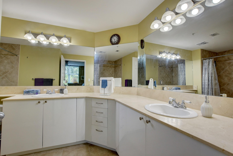1.5 Master bathroom