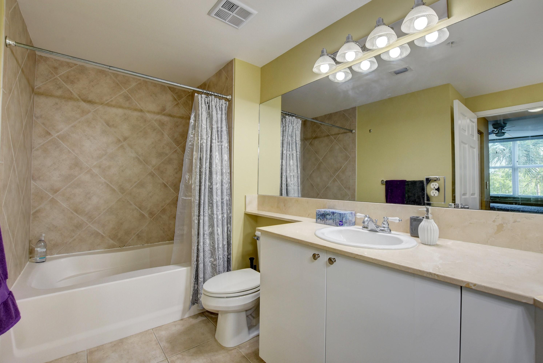 1.4 Master bathroom