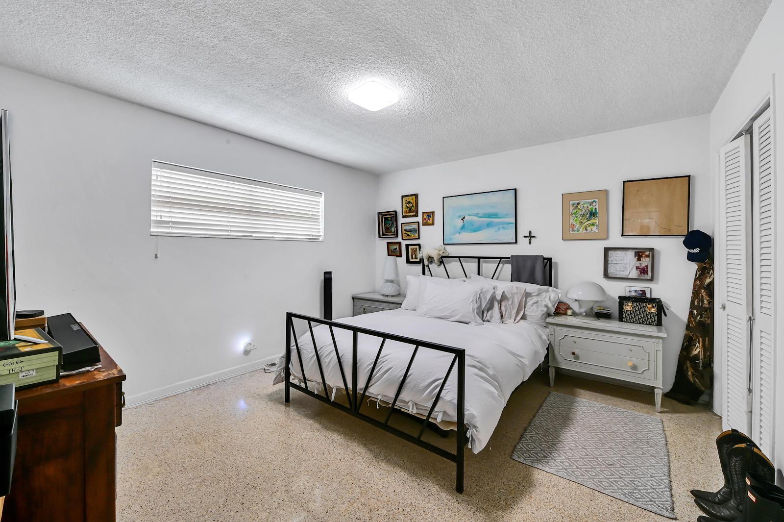 10 Bed room 02