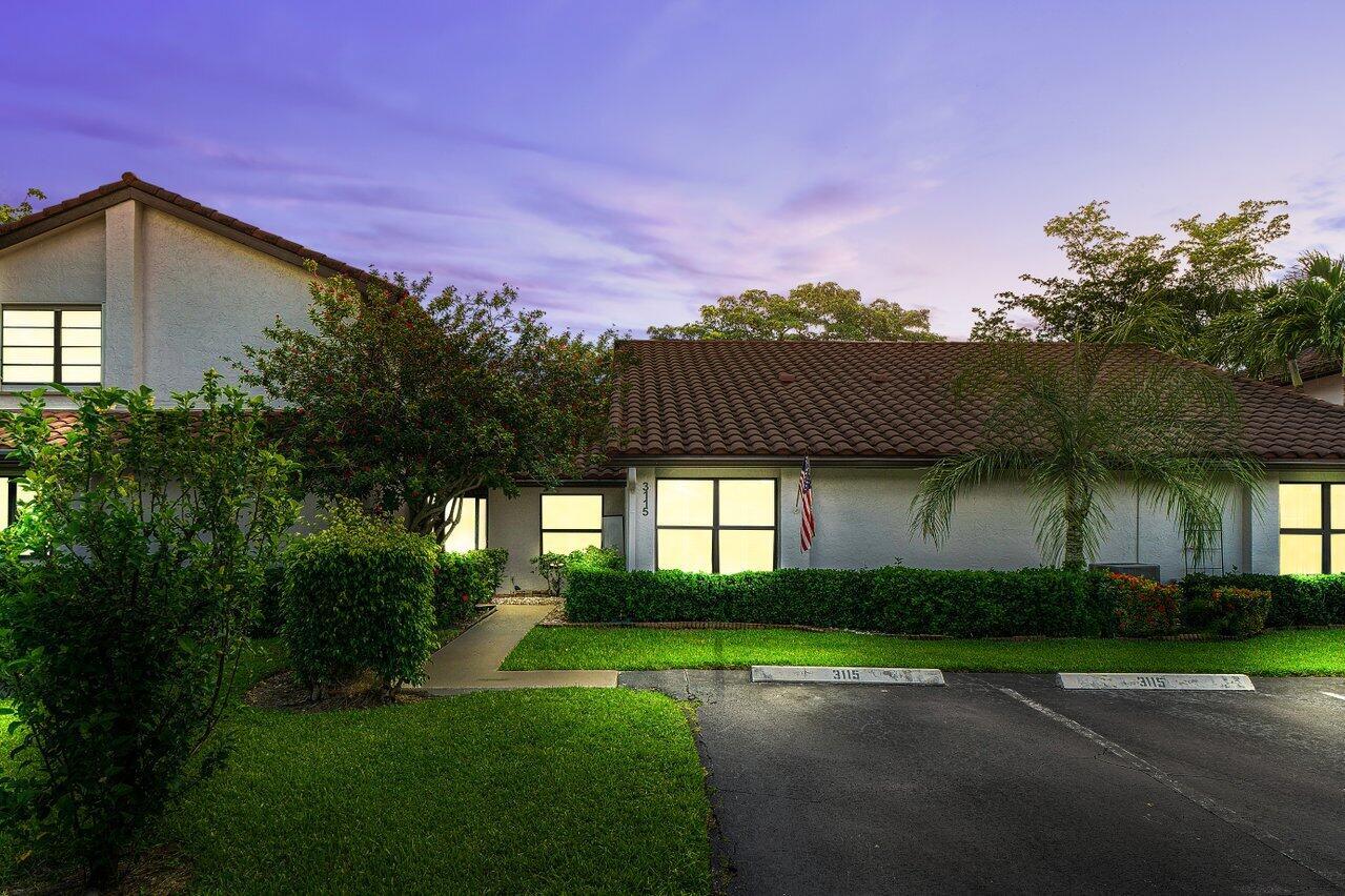 3115  Lake Shore Drive  For Sale 10739599, FL