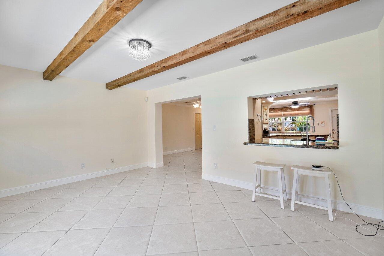 Bonus Room with Snack Bar Area