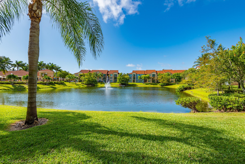 506 Villa Circle Boynton Beach, FL 33435