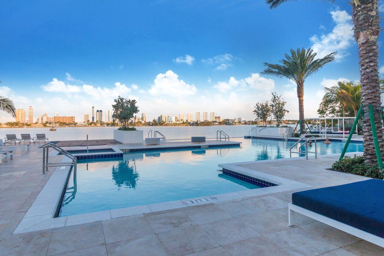 marina pool2.jpeg