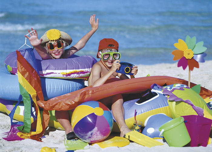 Kids-at-Beach-for-Awards-Vacation