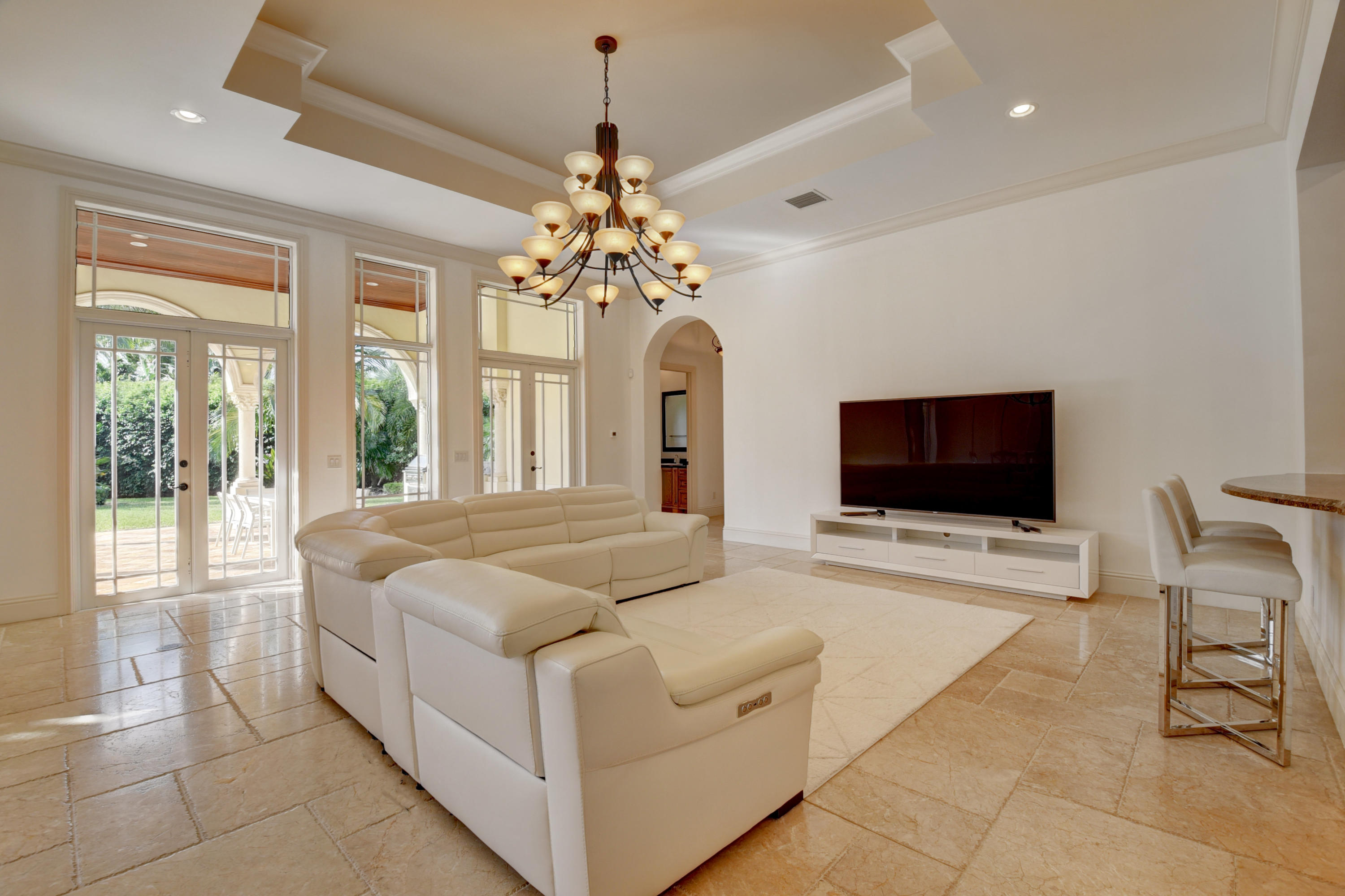 Pic - Family Room1