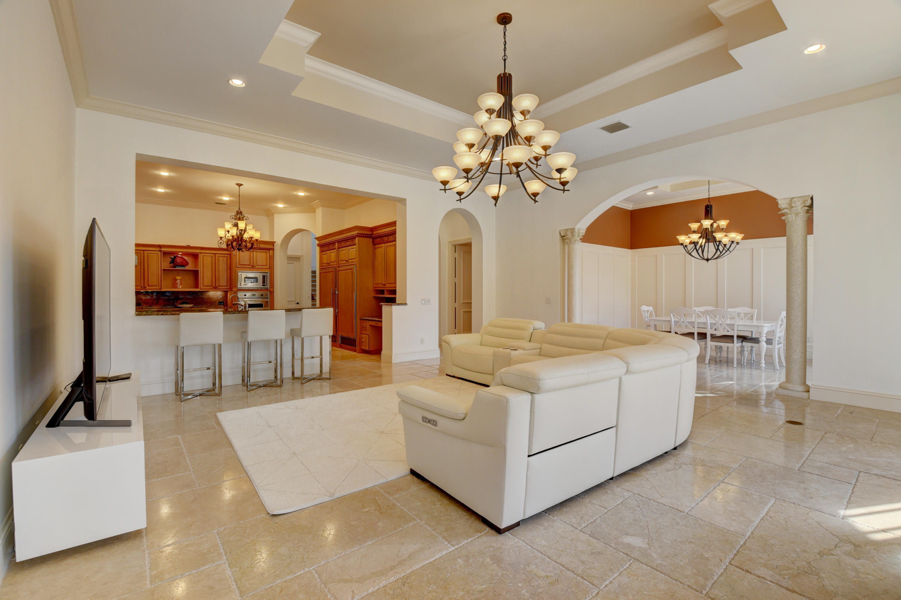 Pic - Family Room3