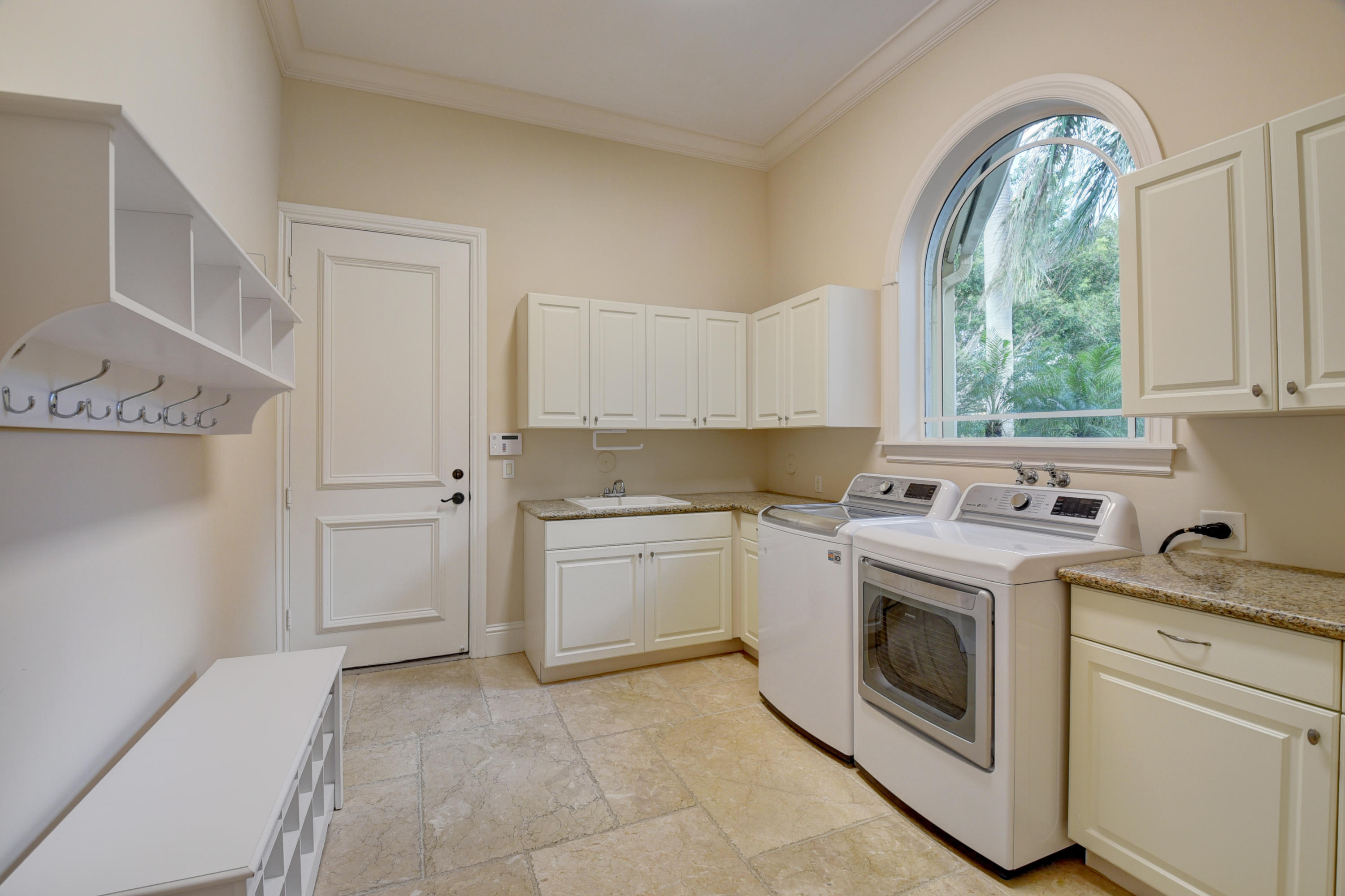 Pic - Laundry Room