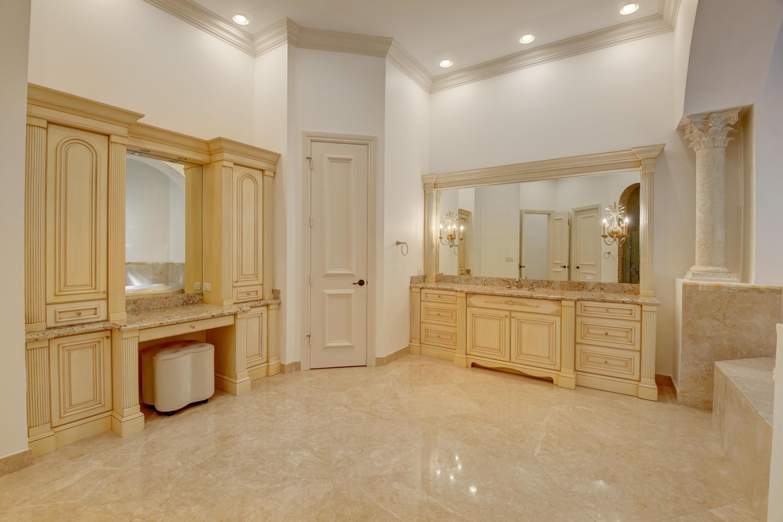 Pic - Master Bathroom3