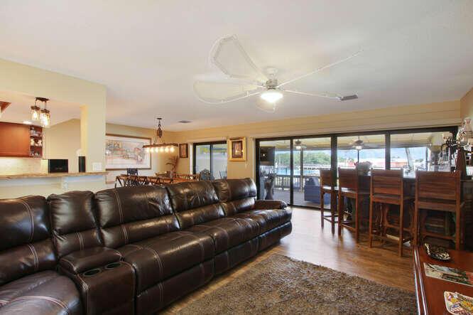 Living Room to Screened Patio