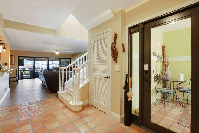 Enterior Front Door Entrance
