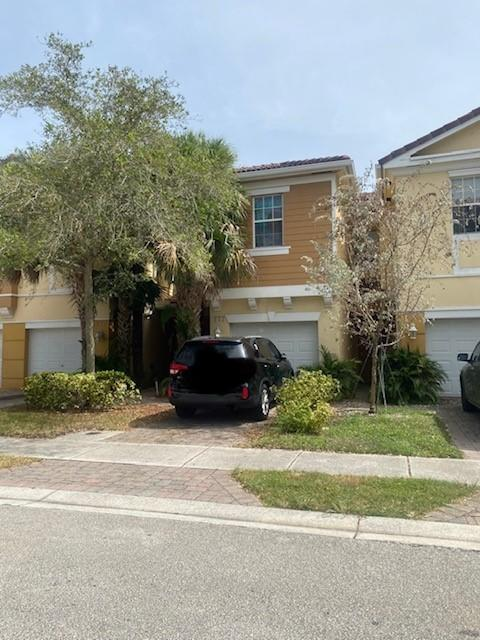 777  Pipers Cay Drive 105 For Sale 10740490, FL