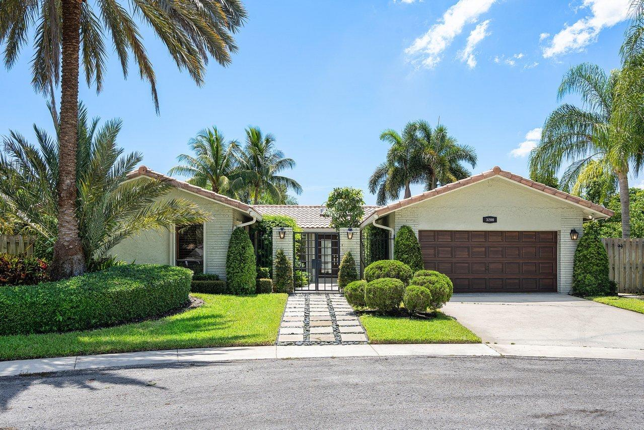 3200 NW 28th Avenue  For Sale 10740695, FL