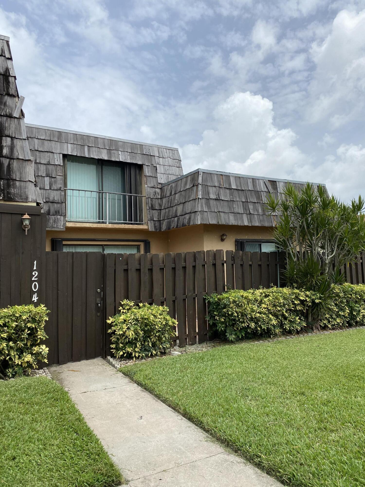 1204 Waterview Circle - 1