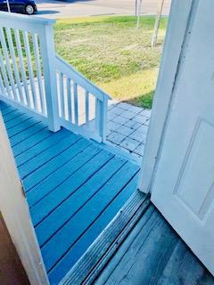 Front Entry Porchway