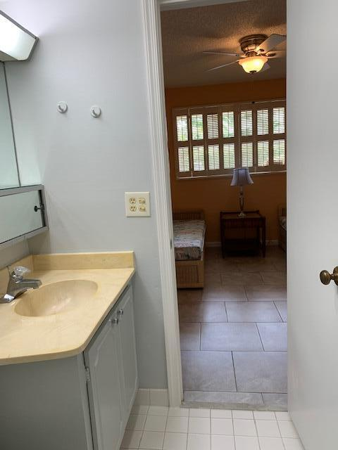 21 Second Bathroom  Bedroom