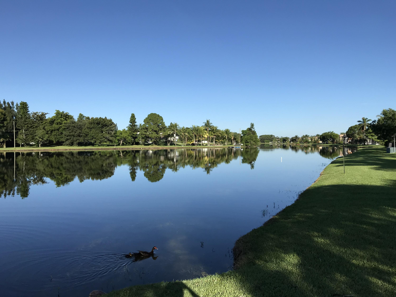 9 Lake Verona