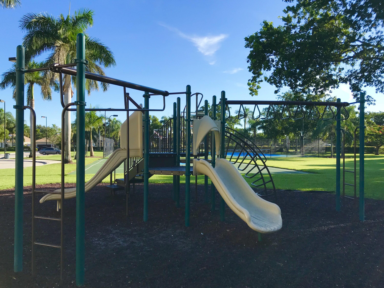 13 Main Kids Playground