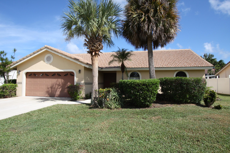 8050 W Country Club Boulevard, Boca Raton, FL 33487
