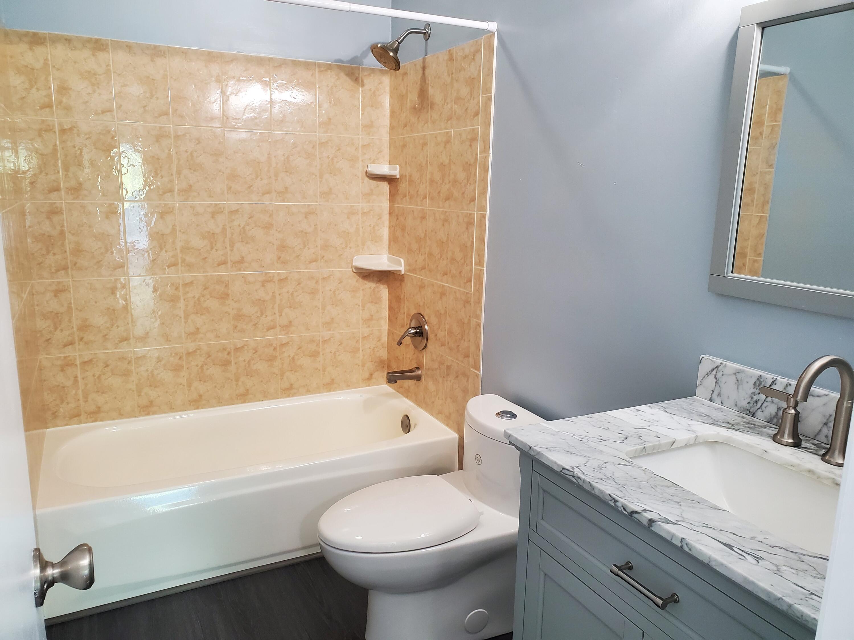 1st floor bath