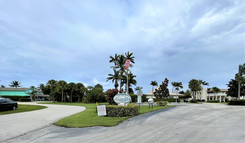 600 Snug Harbor Drive Drive Boynton Beach, FL 33435