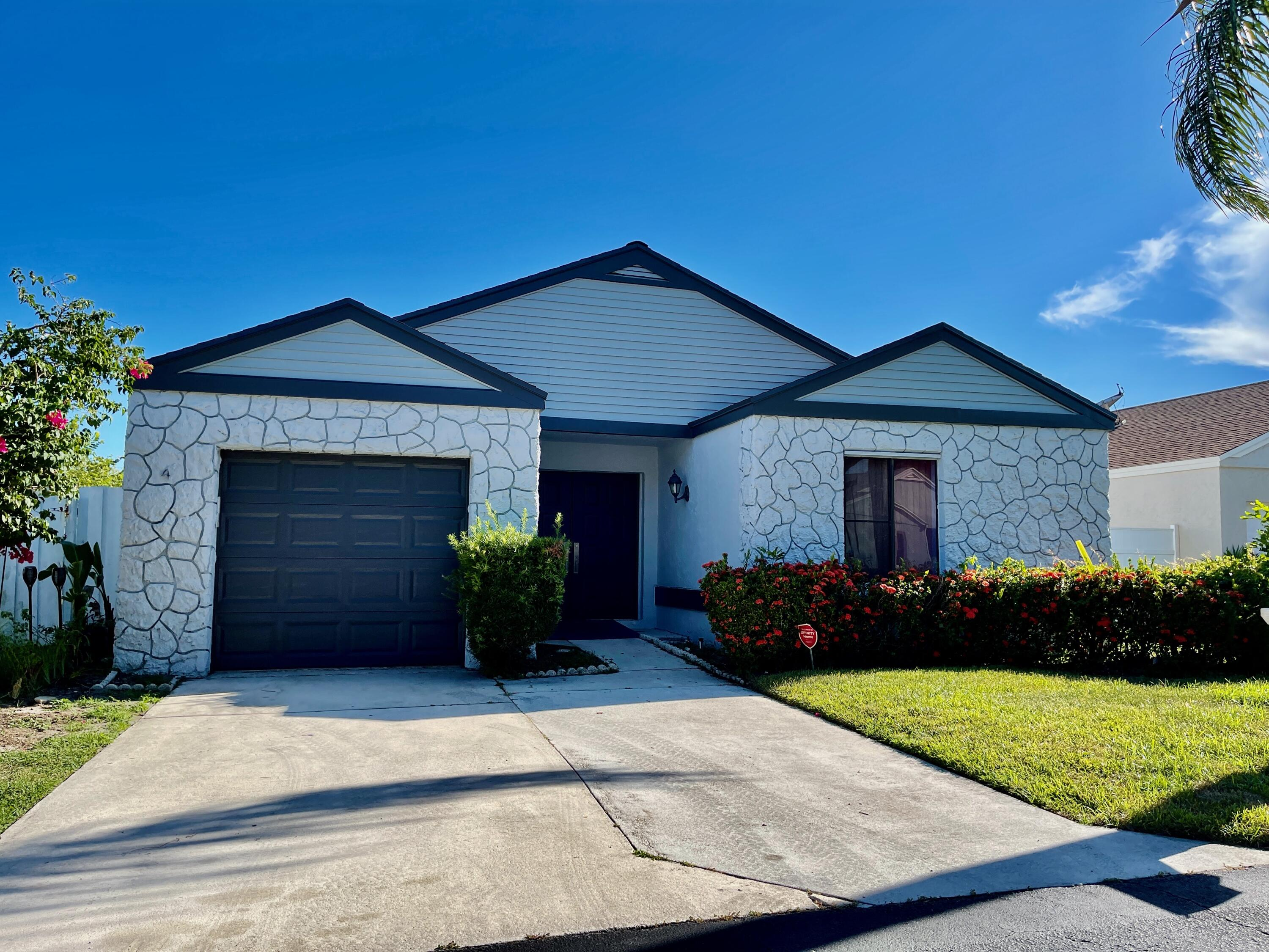 4  Cardiff Way  For Sale 10741092, FL