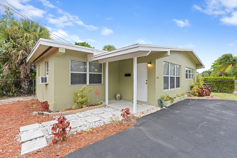 2121  Parker Avenue  For Sale 10741114, FL