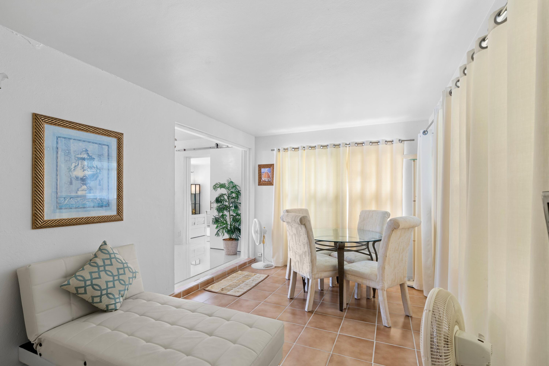 2121 Parker Ave - Florida Room