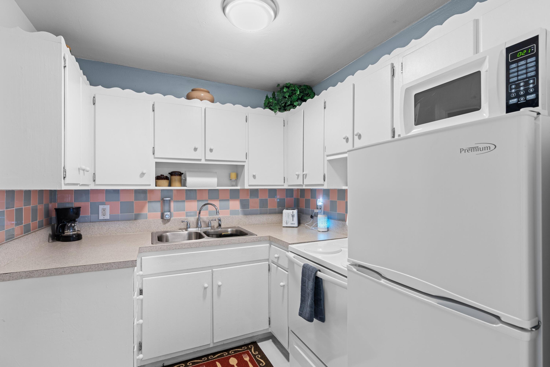 2121 Parker Ave - Kitchen