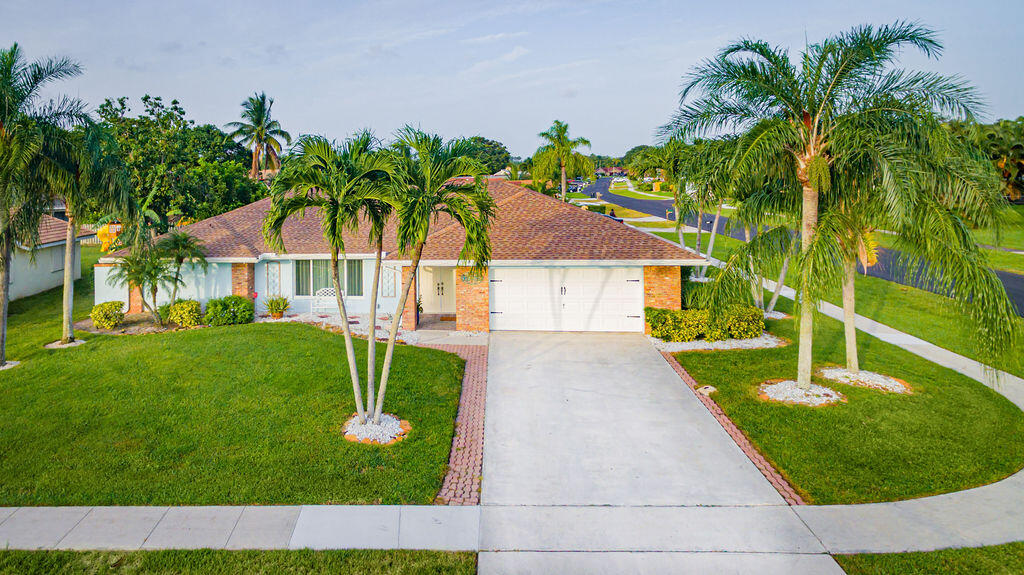 990  Hickory Trail  For Sale 10741136, FL