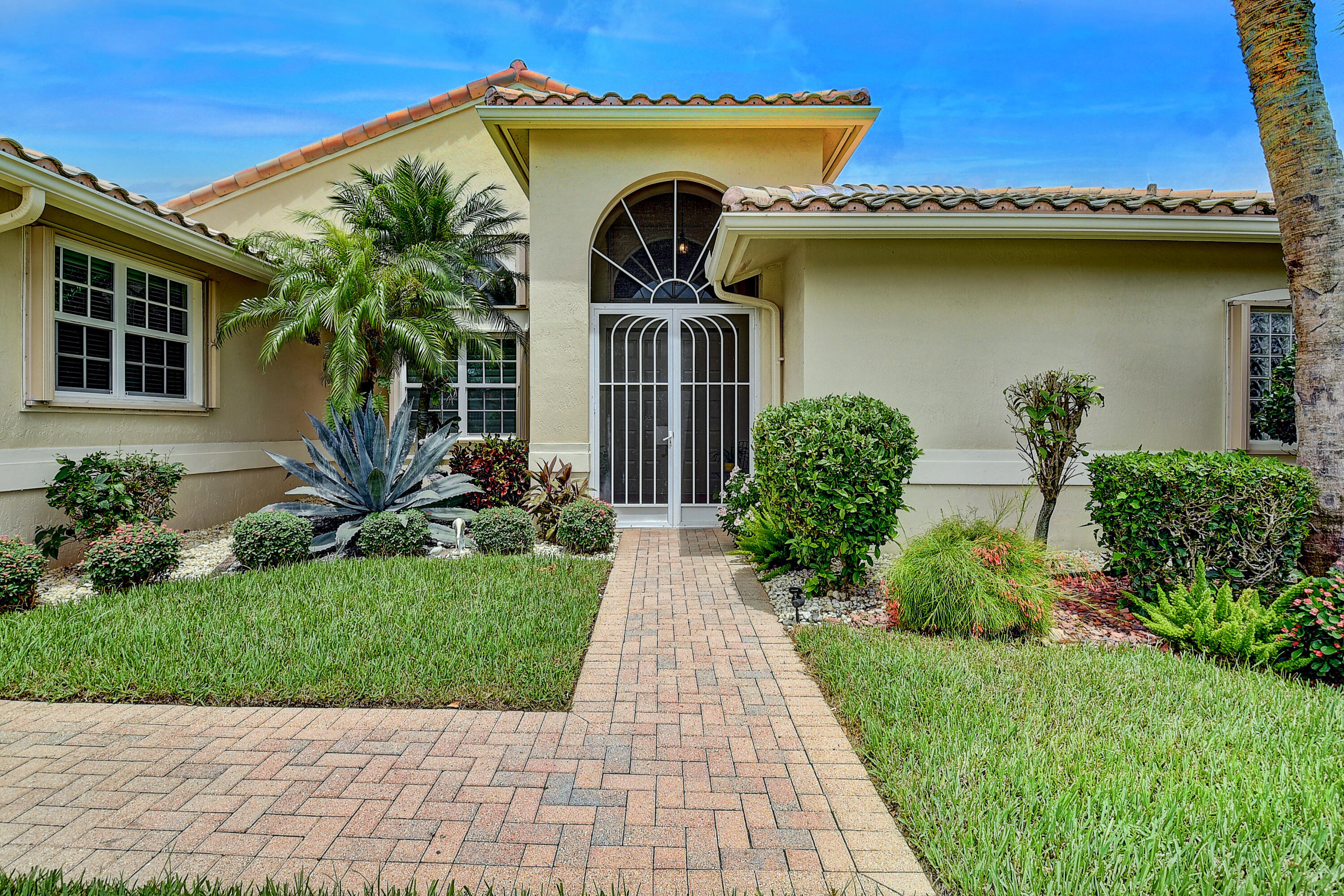 6801  Treves Way  For Sale 10741160, FL