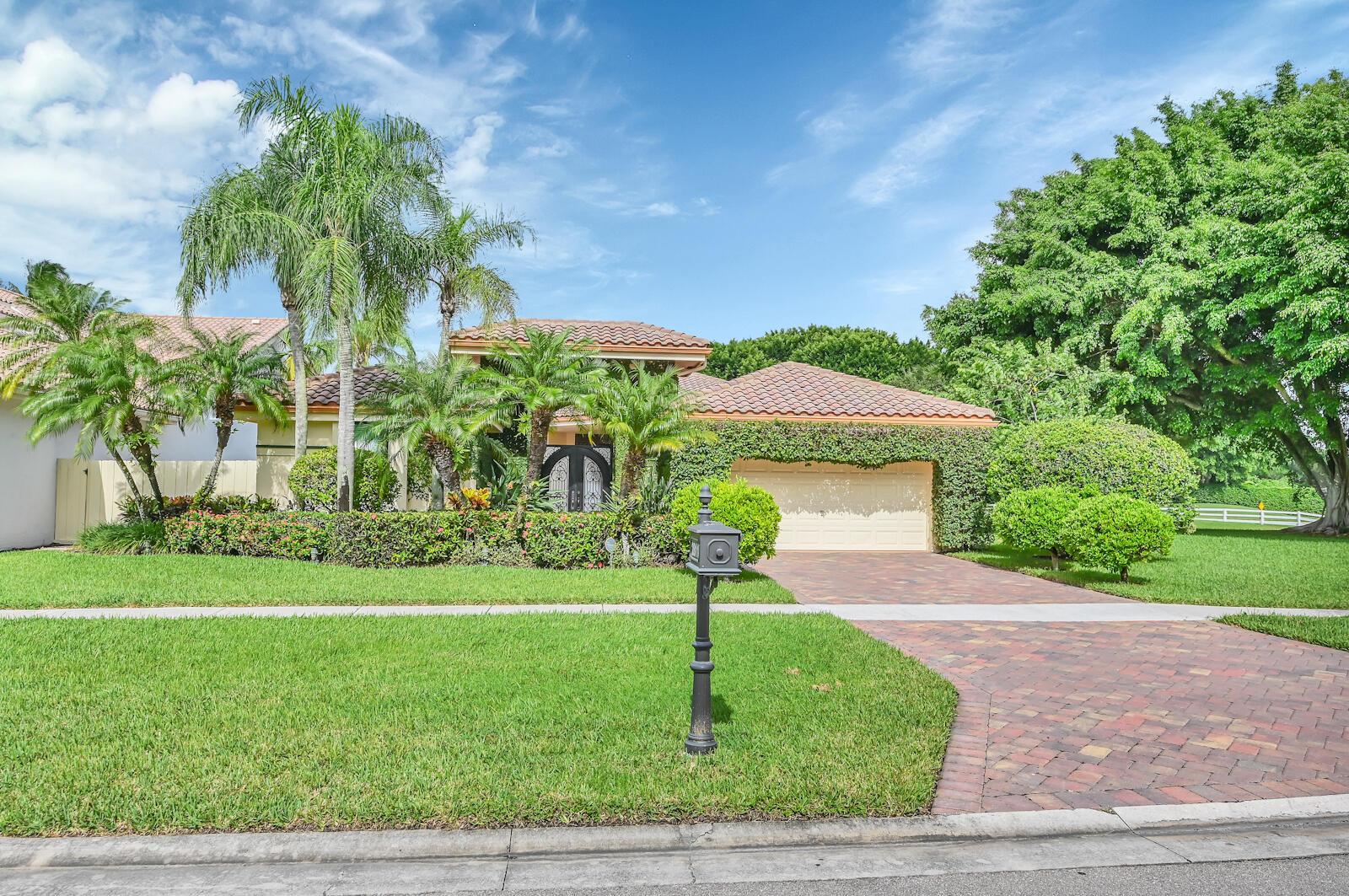 2811  Bent Cypress Road  For Sale 10745997, FL