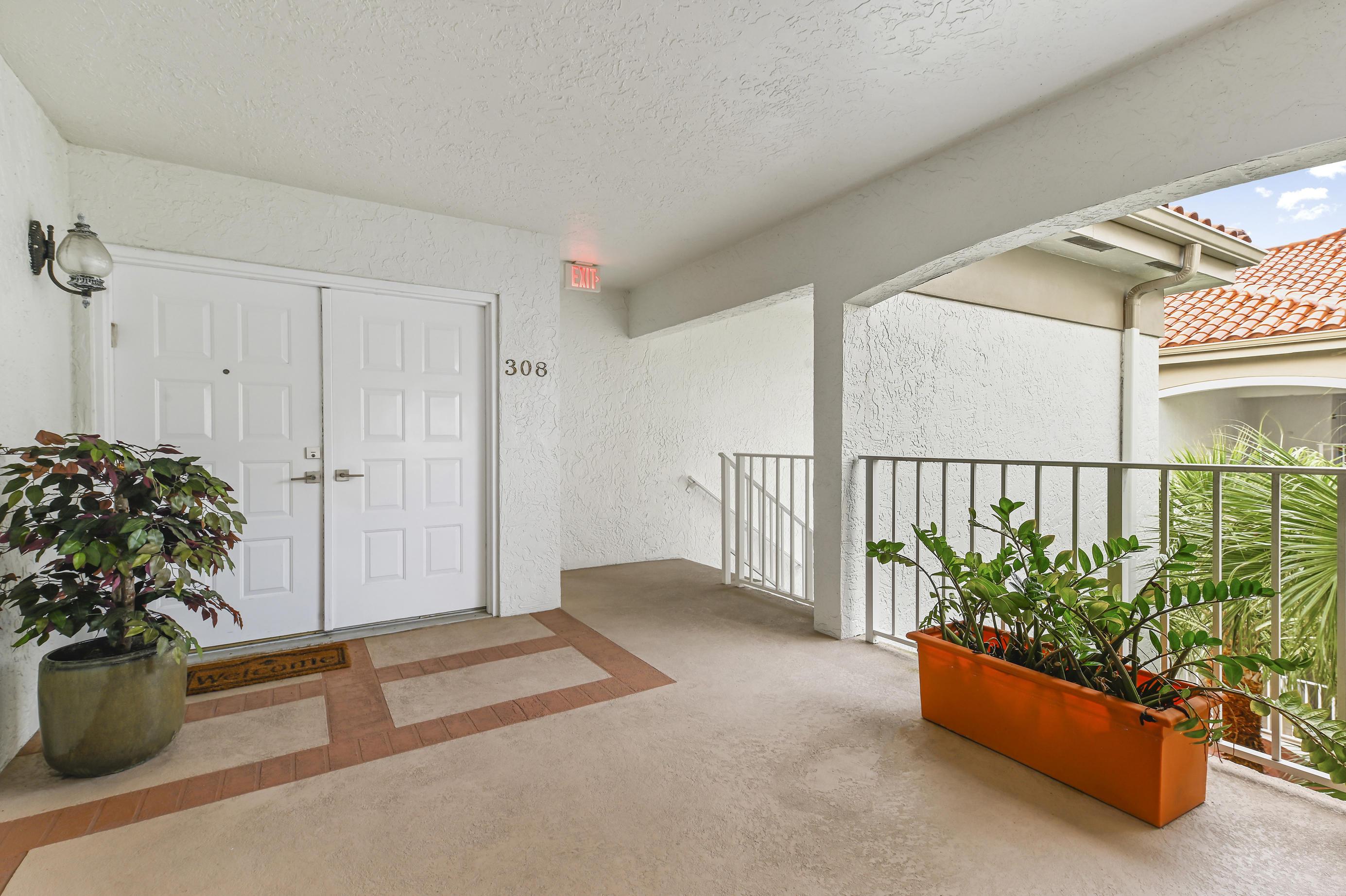 7369 Orangewood Lane 308-D, Boca Raton, FL 33433