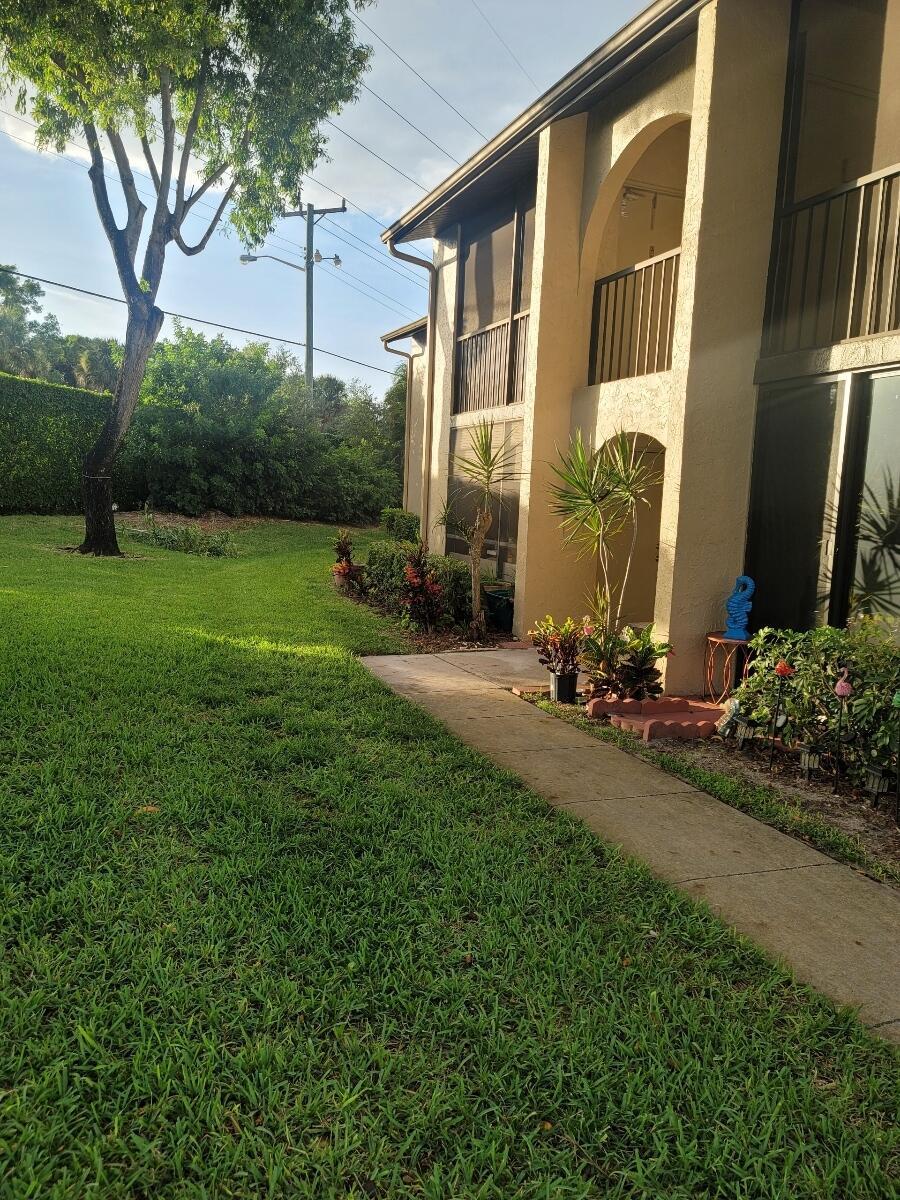516 Shady Pine Way C2 West Palm Beach, FL 33415 photo 5