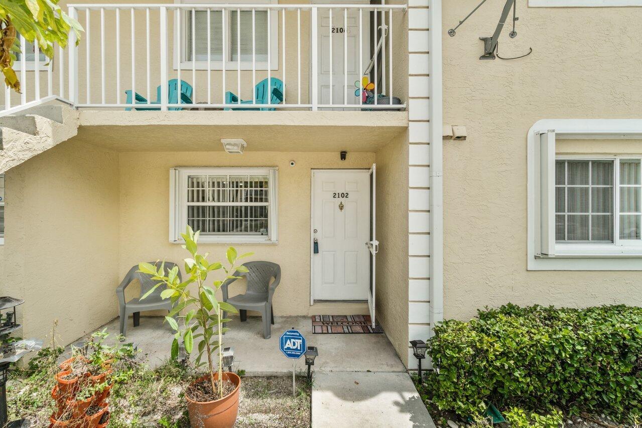 2102 Palm Beach Trace Drive Royal Palm Beach, FL 33411 photo 2