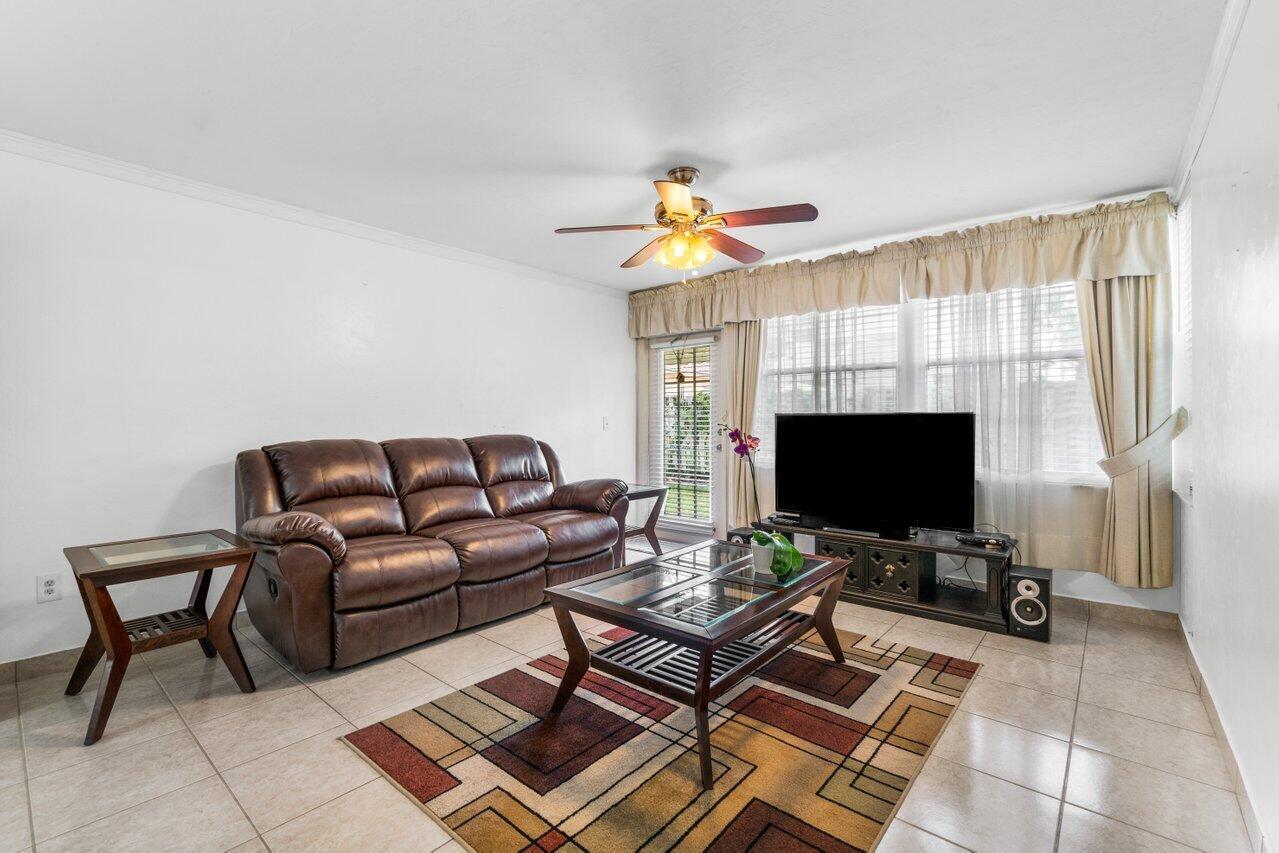 2102 Palm Beach Trace Drive Royal Palm Beach, FL 33411 photo 4