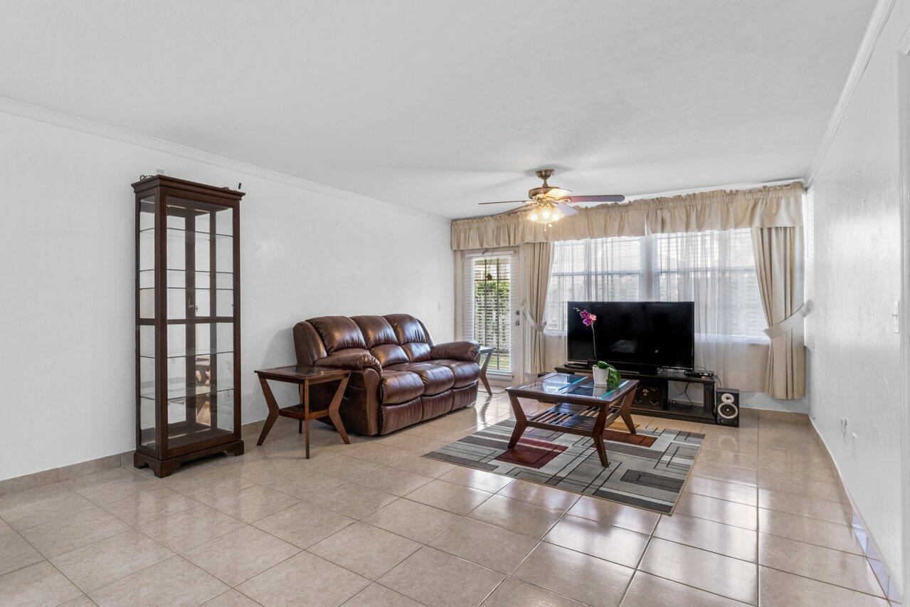 2102 Palm Beach Trace Drive Royal Palm Beach, FL 33411 photo 5