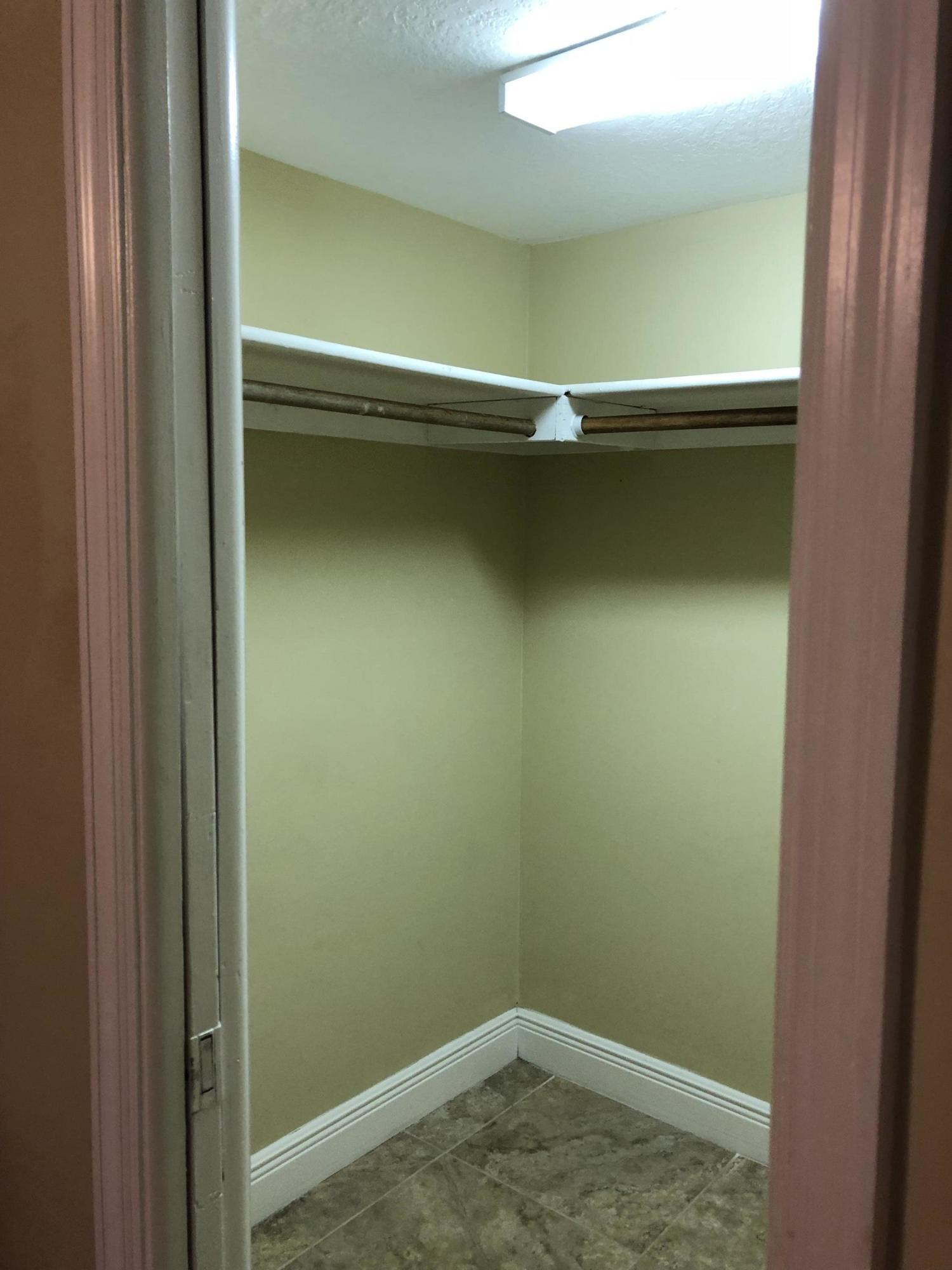 HB Walk in closet II