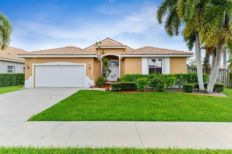 9241  Cove Point Circle  For Sale 10742431, FL