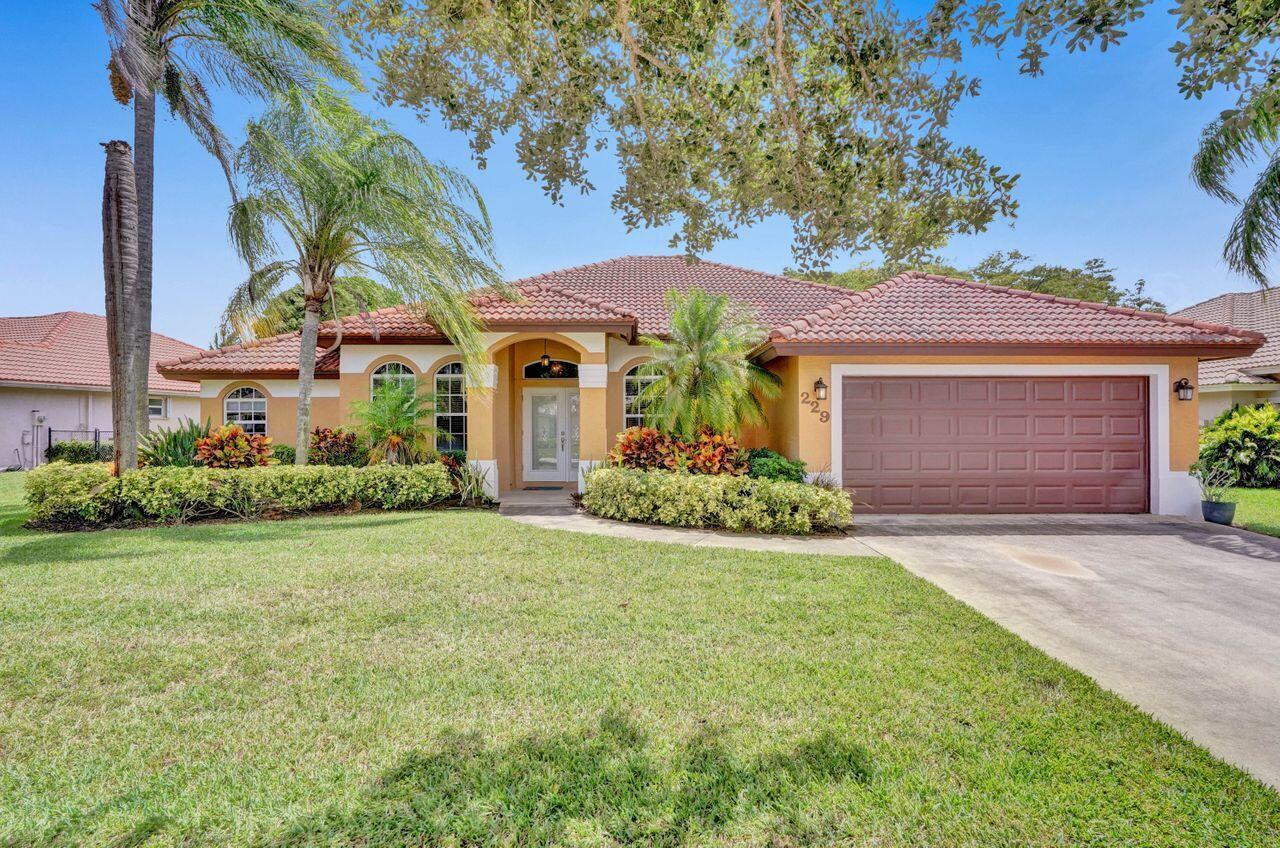 229 Cypress Trace  Royal Palm Beach, FL 33411