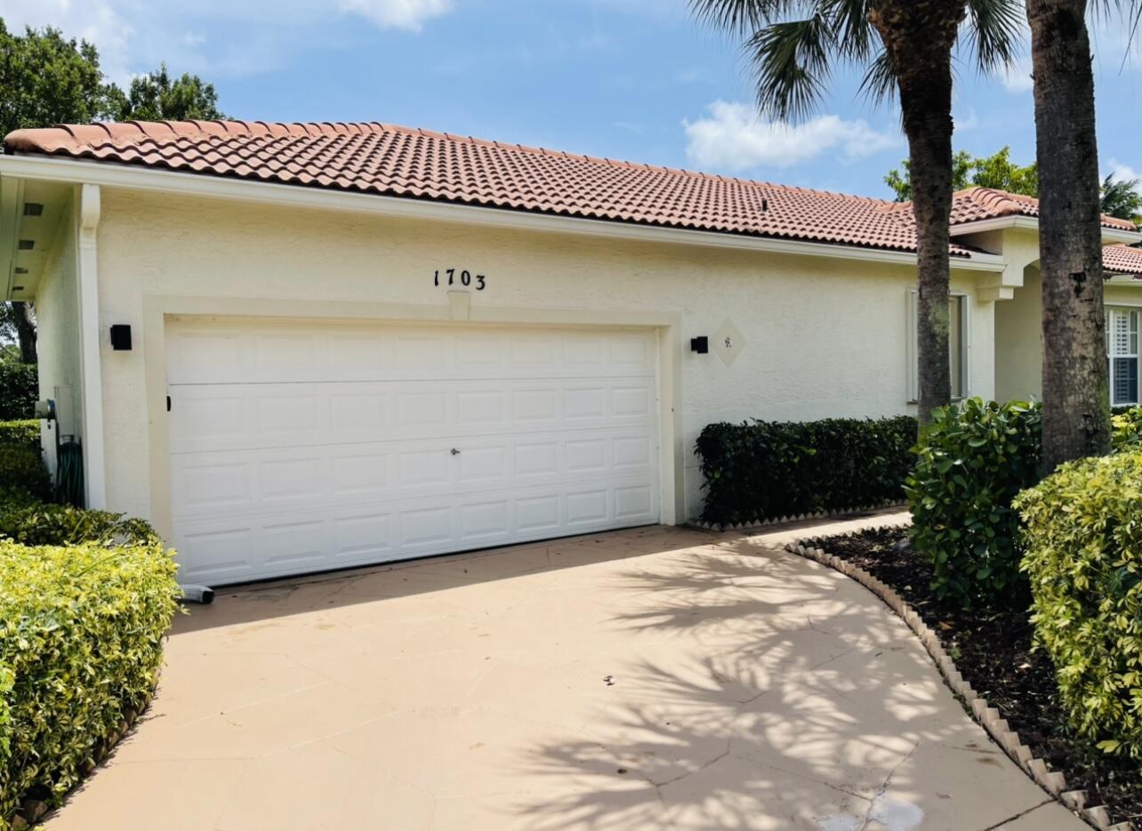 1703  Pierside Circle  For Sale 10741679, FL