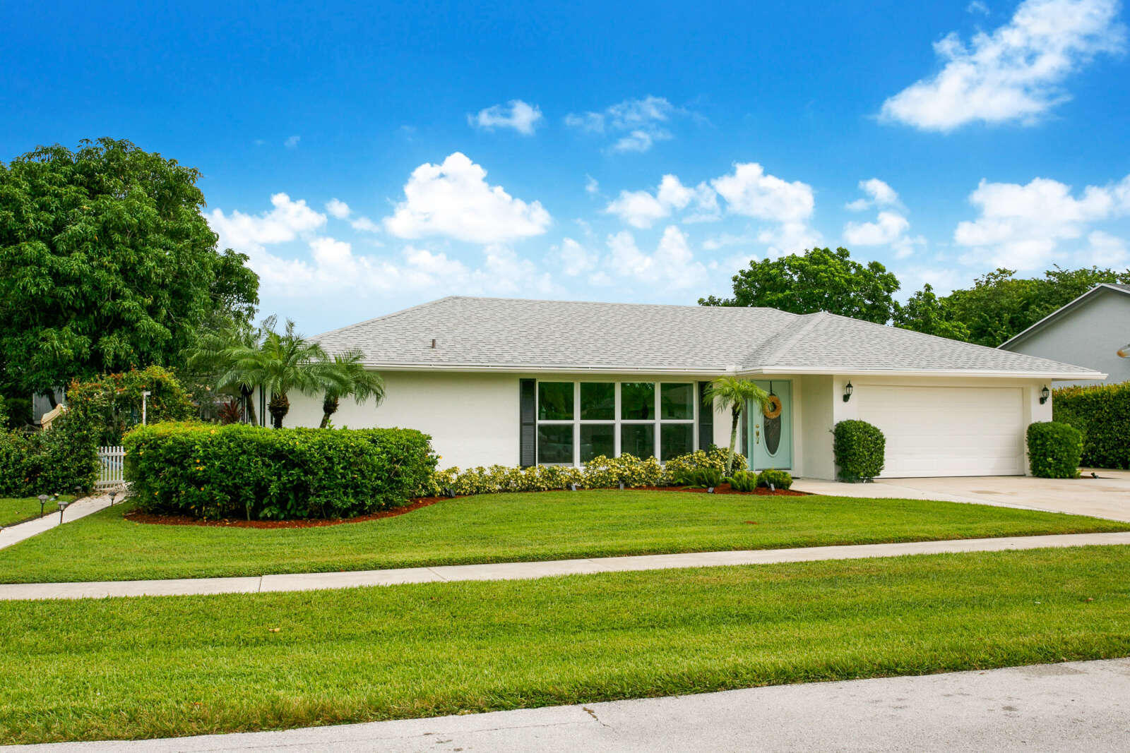 1436  Old Cypress Trail  For Sale 10741704, FL