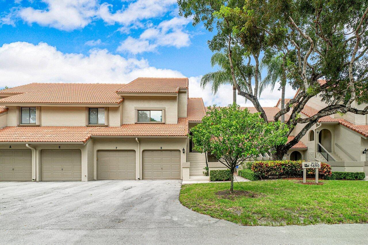 Home for sale in Coach Houses Of Town Place Boca Raton Florida