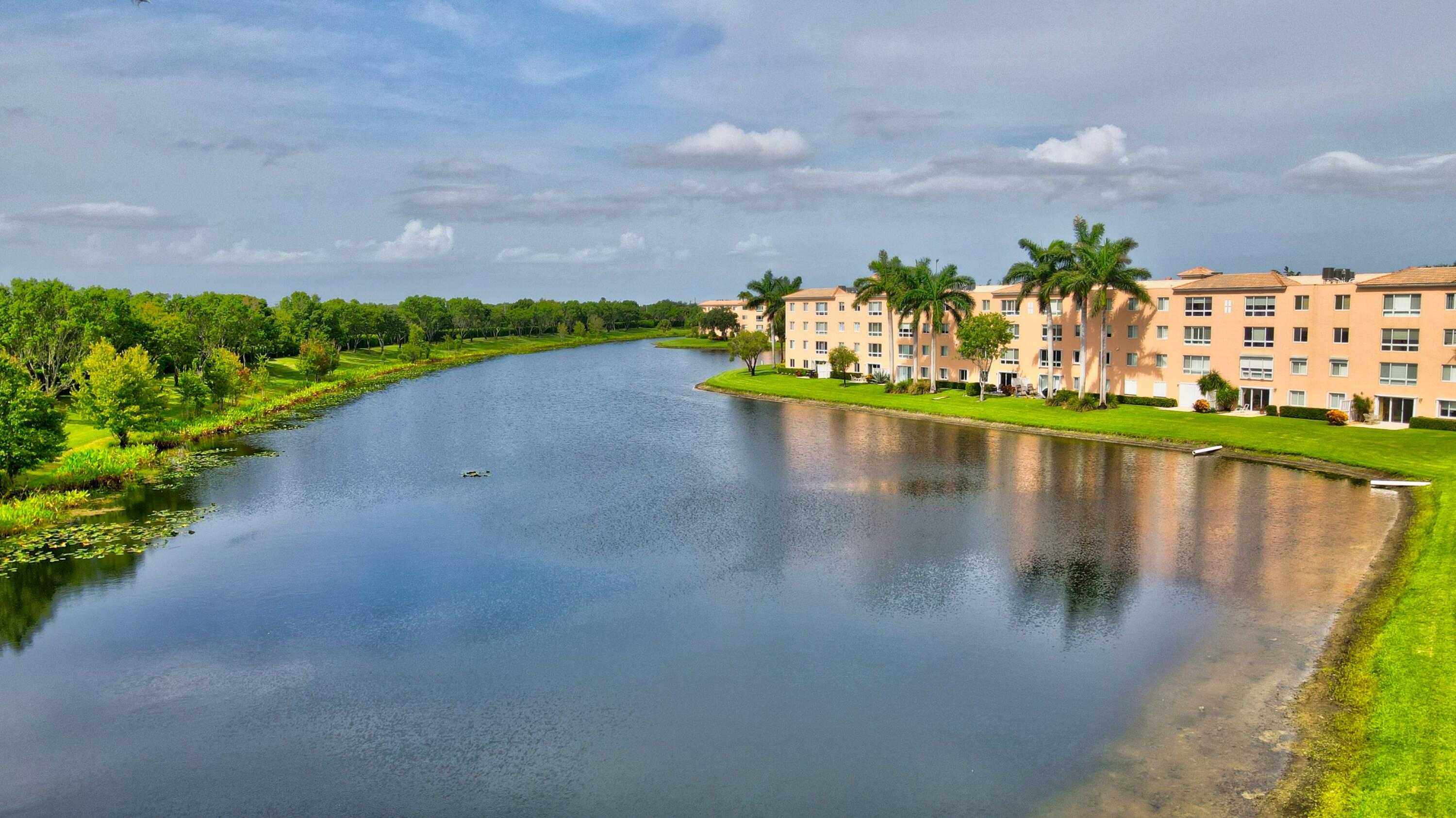 5746  Crystal Shores Drive 401 For Sale 10741939, FL