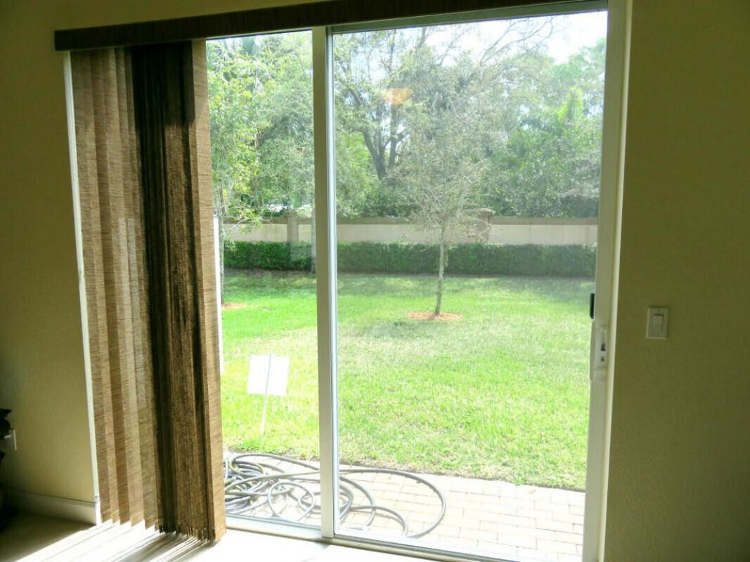 4592 Capital Drive Lake Worth, FL 33463 photo 10