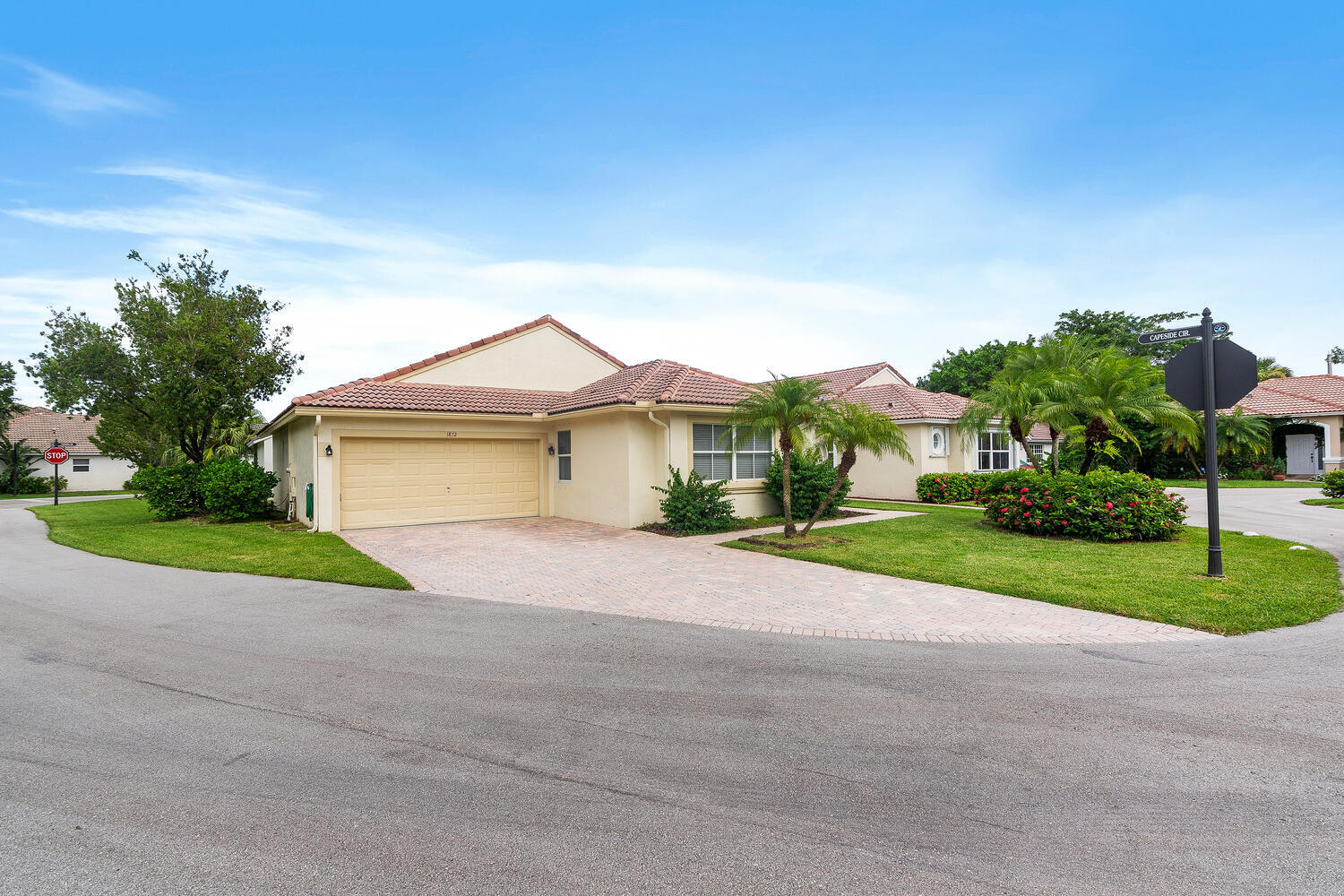 1872  Capeside Circle  For Sale 10741903, FL