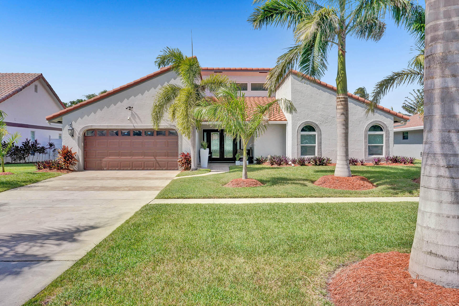359 S Country Club Boulevard  For Sale 10741988, FL
