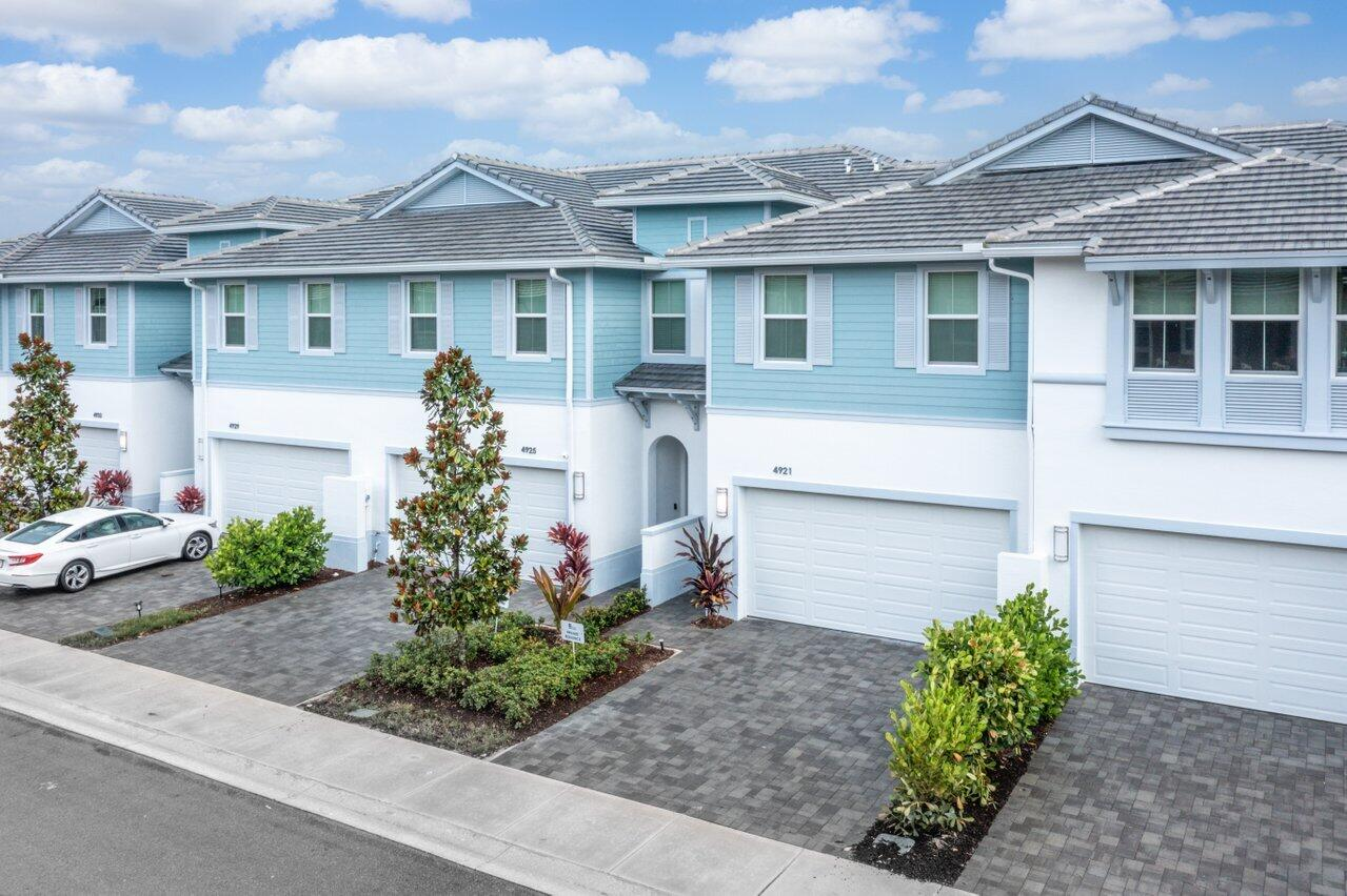 4921 Pointe Midtown Way Palm Beach Gardens, FL 33418 photo 2