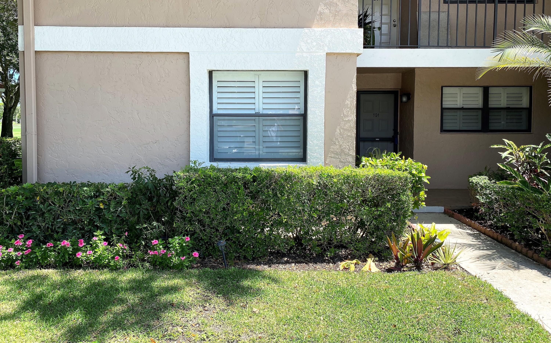 12926 Briarlake Drive 101, Bldg B Palm Beach Gardens, FL 33418