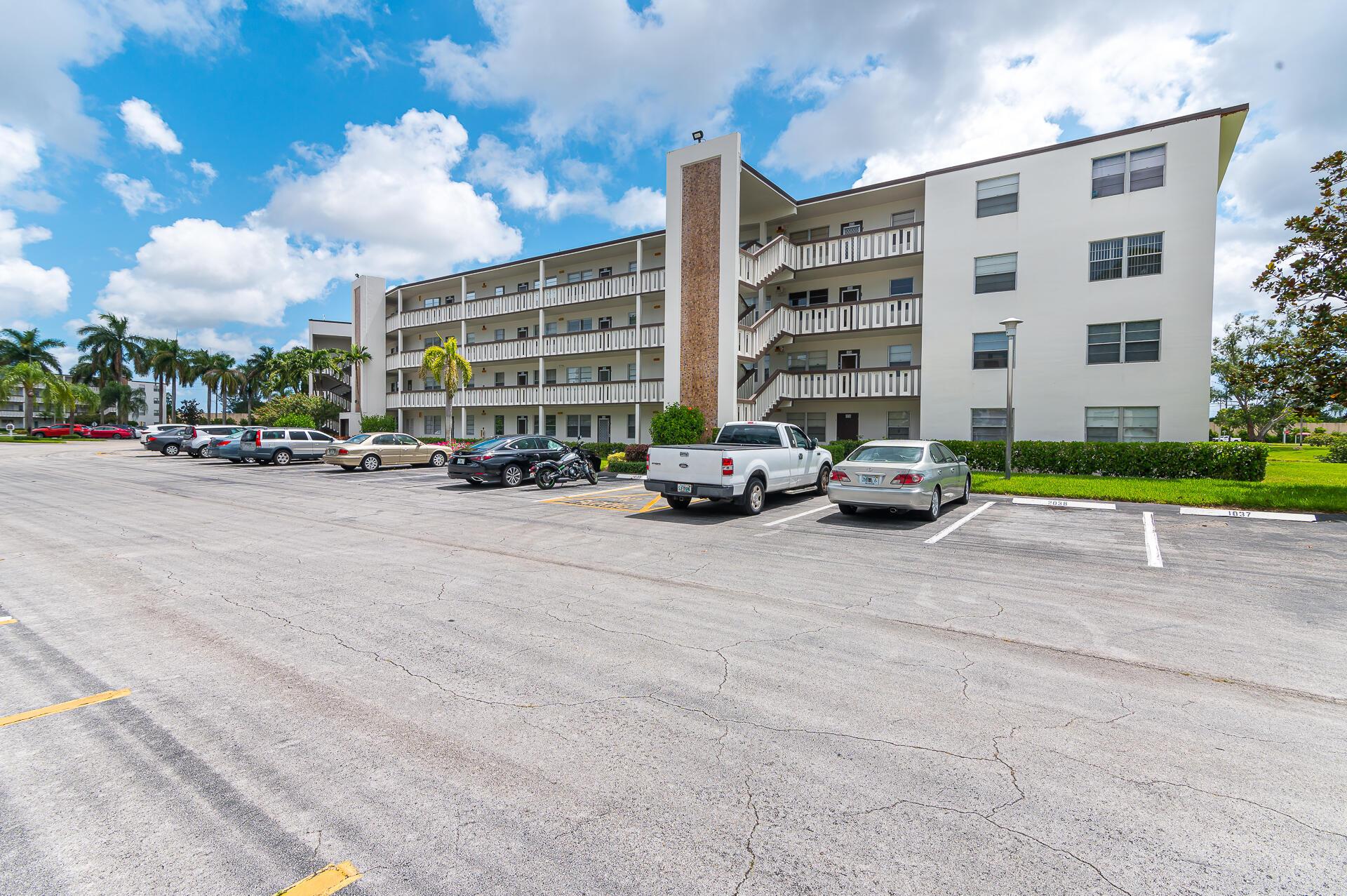 1037 Hythe C, Boca Raton, FL 33434