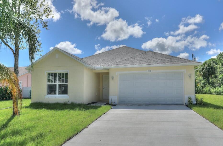 Photo of 790 Tuxedo Terrace, Sebastian, FL 32958